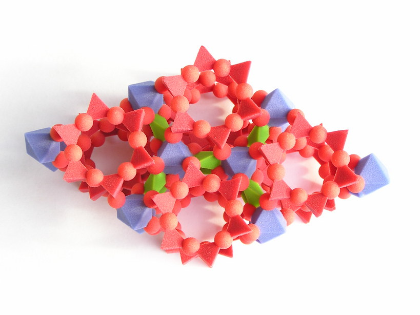 http://ruby.chemie.uni-freiburg.de/~martin/shapeways/beryll.jpg