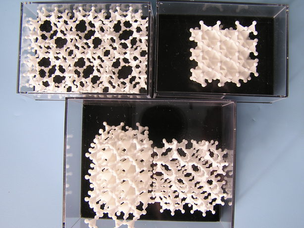 http://ruby.chemie.uni-freiburg.de/~martin/shapeways/silicates.jpg